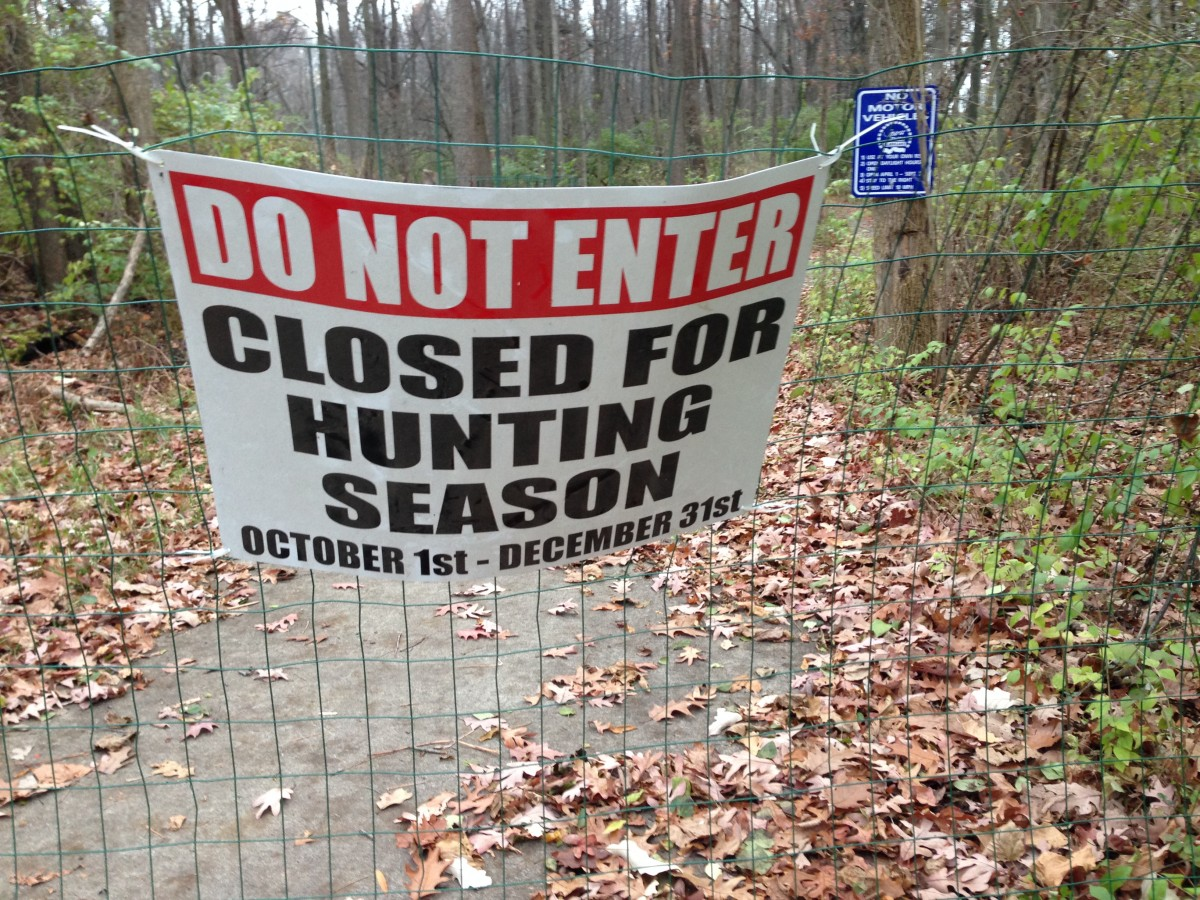 Hunting warning on Trail