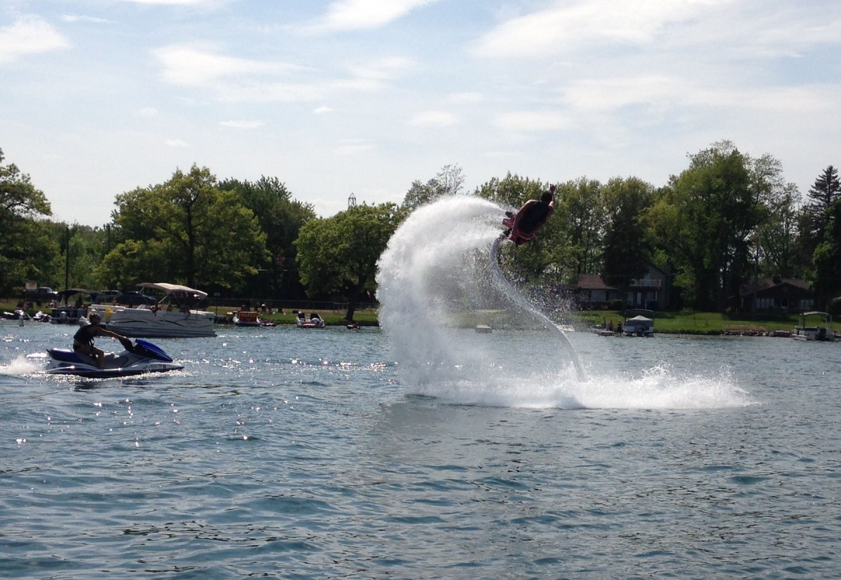 The Jet can be maneuvered several ways--straight up 30 or 4o feet, flips or dives