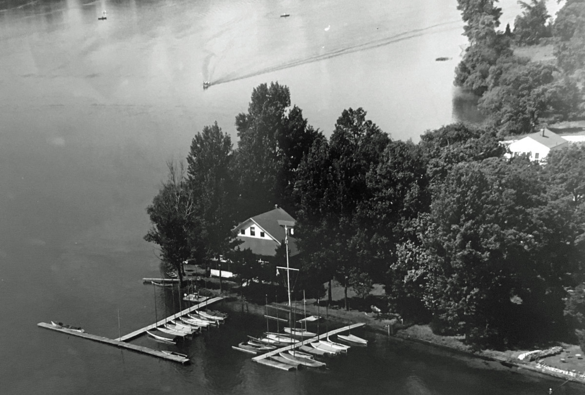 yacht-club-at-kentucky-point
