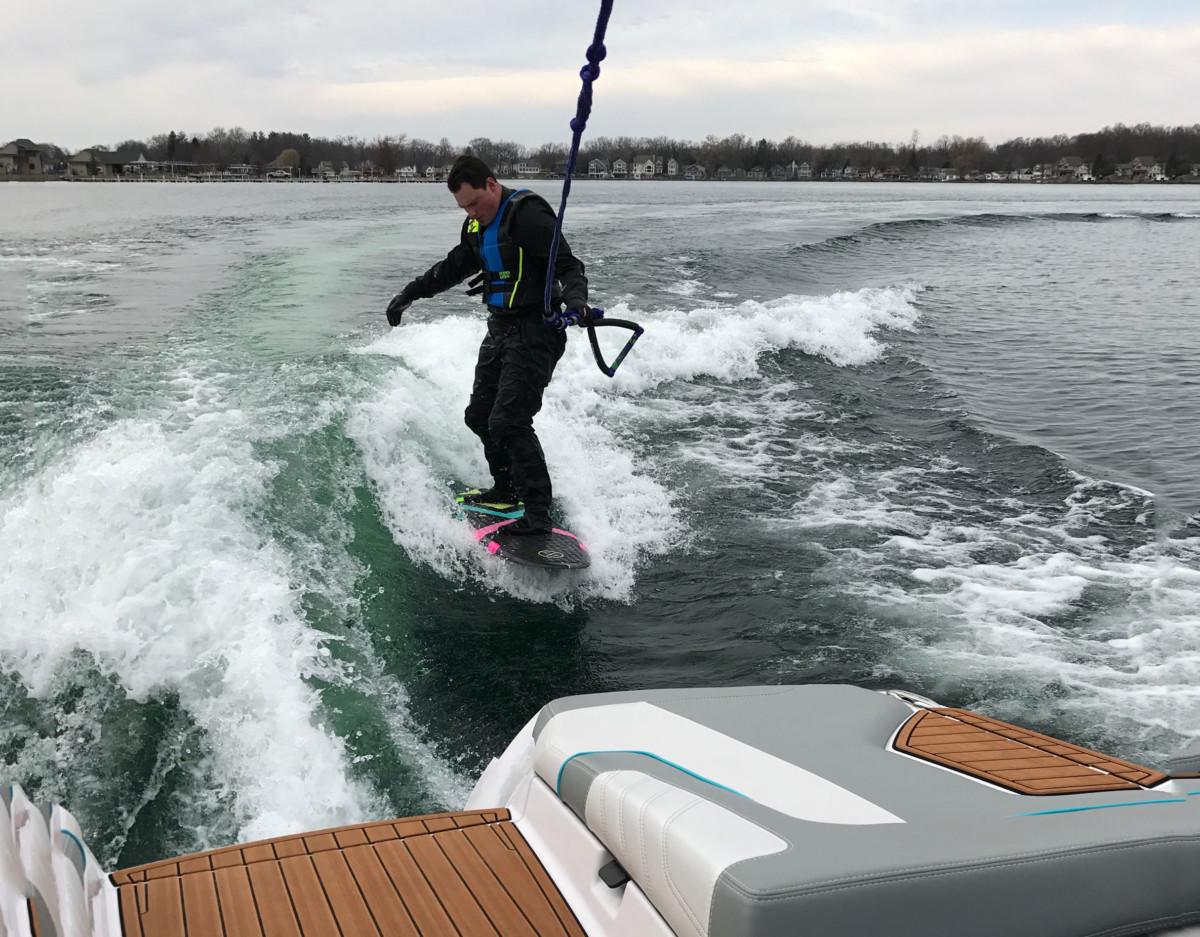 on ski ps