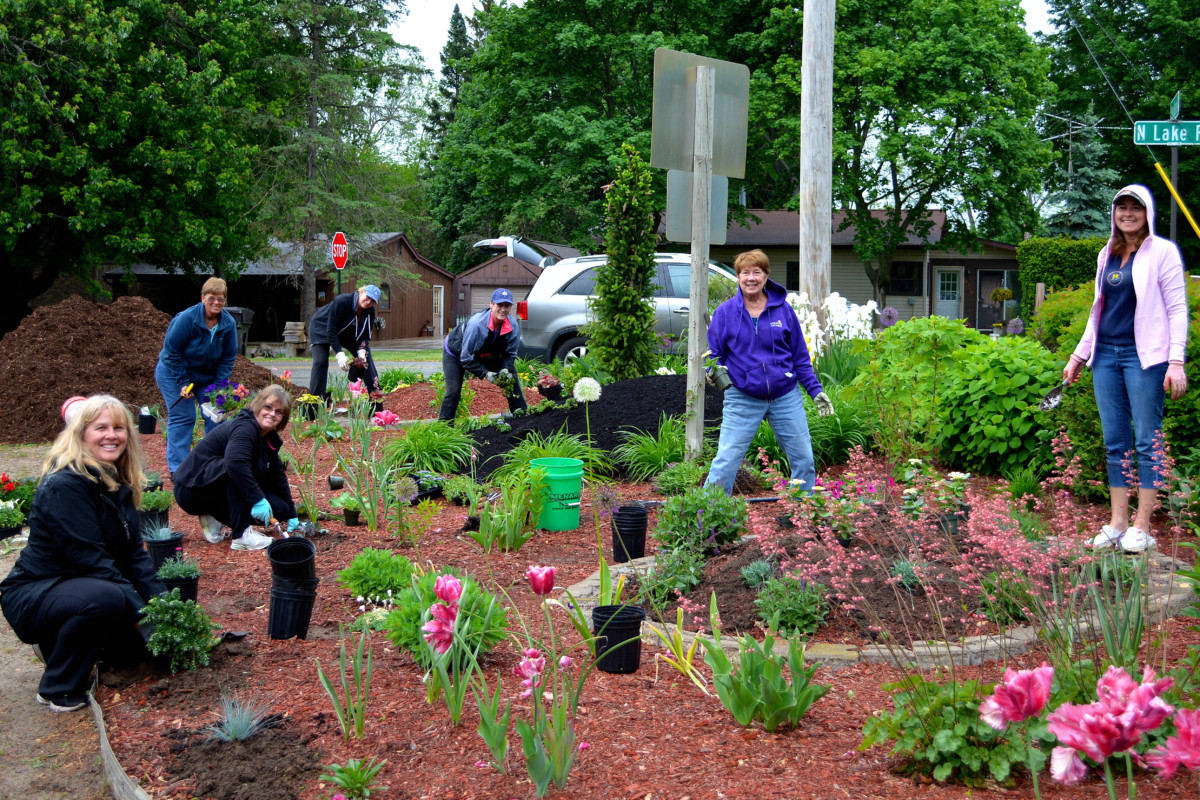 Clark Lakeu0027s Garden Angels Were Hard At Work Tuesday Eveningu2013in The Rain!  Determination Combined With Their Magical Gardening Skills Are Once Again  ...